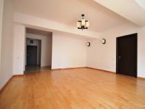 Apartament zona Unirii cu 3 camere nemobilat