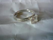 Inel argint cu cristal mare și 18 cristale mici