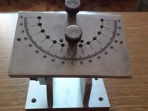 Masa (dispozitiv) reglabila pt ascutit cutite strung, freze