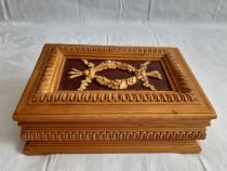 Casetă bijuterii Vintage din lemn scluptat și lacuit