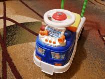Masinuta mini pentru plimbat copilul