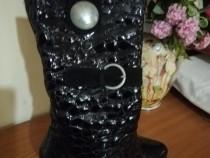 Cizme negre, eleganta, din piele lac, marime 39, toc stabil