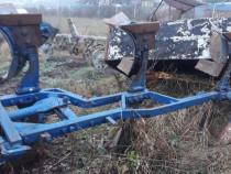 Plug tractor
