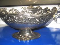 285-Fructiera cosulet gen carafa din metal cu model floral.