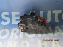 Broasca usa Audi A2 2001; 8Z0839015A // 8Z0839016A
