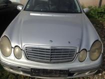 Dezmembrez Mercedes W211 2.2 2003