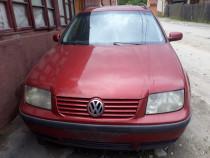 Dezmembrez VW Bora 2002
