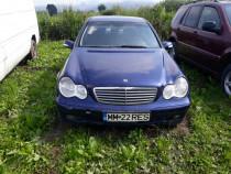 Mercedes C200 / 2.2 CDI / 2004