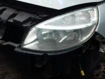 Far stanga Renault Megane Scenic din 2004