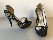 Pantofi decupati din piele naturala lacuita + material texti