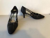 Pantofi decupati Bouquets, din material textil satinat, mari