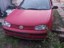 Dezmembrez VW Golf 4 motor 1,9 sdi anul 2001