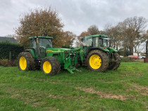 Tractor John Deere 8210, an 2001, AC, 215 CP, 4x4. IMPORT