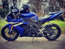 Yamaha R 1000