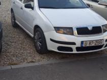Mașină Skoda Fabia