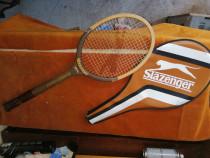 Racheta de tenis din lemn