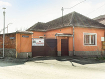 Casă / Vilă cu 2 camere de vânzare în zona Micalaca