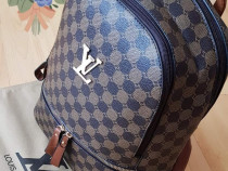 Rucsac Louis Vuitton new model, logo metalic auriu