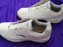 Pantofi sport marimea 43