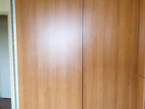 2 dulapuri cu uși glisante