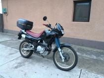 Motocicleta Honda Dominator NX 650