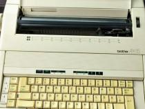 Masina de scris electrica Brother made in UK