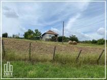 Teren intravilan 7200 m² + casă 80m², la 30km de Târgu Mureș