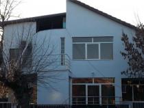 Villa 5 camere in Centru!!!