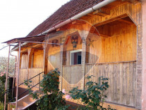 Casa noua + casa traditionala in Minead la poalele muntil...