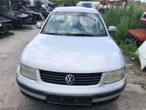 Dezmembrez Volkswagen Passat B5 1.6i AHL
