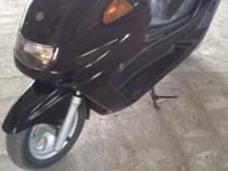 Scuter Yamaha majesty 250 cc benzina