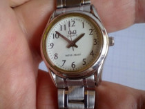 Ceas de dama Q&Q, model Q595, pastrat bine, functional