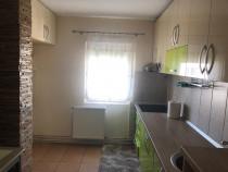 Apartament 3 camere, decomandate,Zona Micro 16