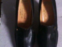 2 perechi pantofi negri numar 35