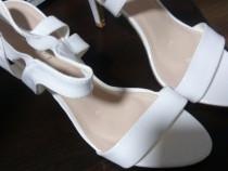 Sandale-nunta-albe