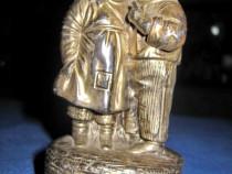 Statuieta veche germana-Copii, inscriptionata:Un secret 1930