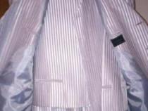 Costum bărbătesc nou-nouț