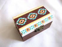 Cutie lemn cu motiv traditional 27904