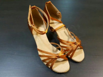 Sandale dans latino (salsa)