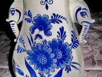 972-Vaza ceramica model Delft Holland capete elefanti.