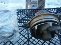 Pompa apa Iveco( cap tractor)