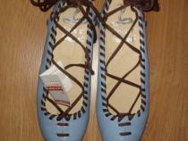 Pantofi noi, opincute, din piele bleu, cu sireturi maro