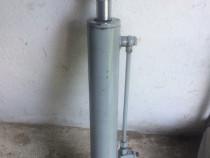 Cilindru hidraulic nou