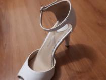 Pantofii de mireasa, ocazii speciale