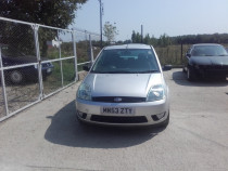 Dezmembram Ford Fiesta 2004