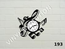 Ceas de perete din vinil cu note muzicale