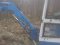 Realizez diverse lucrări Miniexcavator