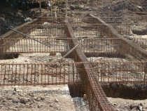 Constructii Case si Blocuri la Rosu