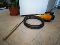 Vibrator beton de inchiriat