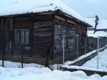 Casa veche de lemn +4 arii teren Rusu Bârgăului